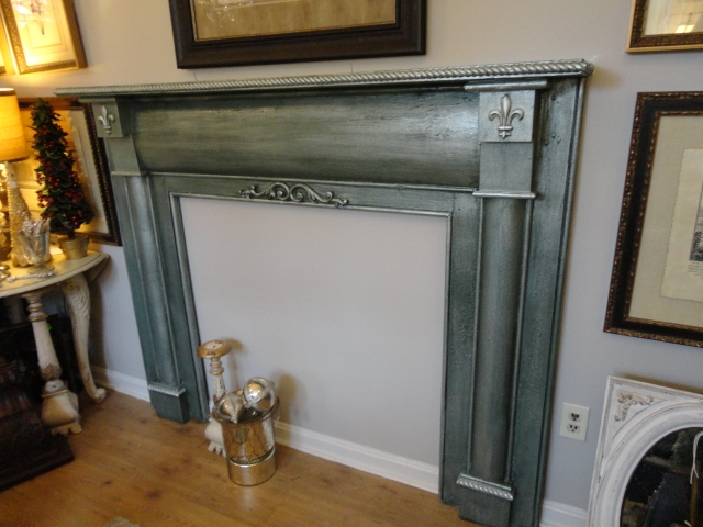 Mantel Painted with Abundance Paint Couture!™, Brilliant White and Verde Glaze Couture!™